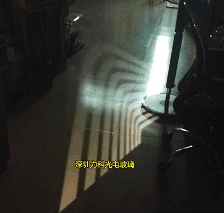 光学投影玻璃